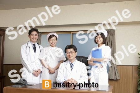 医師2人と看護師2人