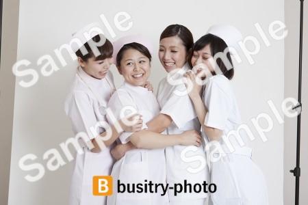 イチャつく看護師さんたち