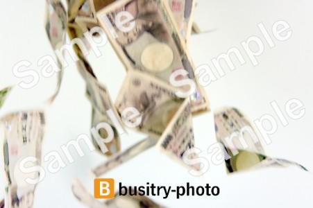 降り注ぐ一万円札